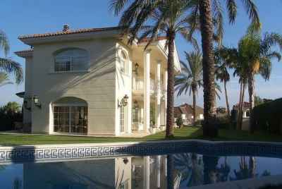 Dream house with pool and sea views in a private community on Maresme Coast